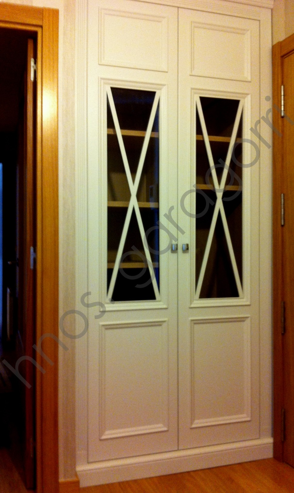 Cat logo muebles a medida en bizkaia hermanos garagorri for Armarios para entradas de casa